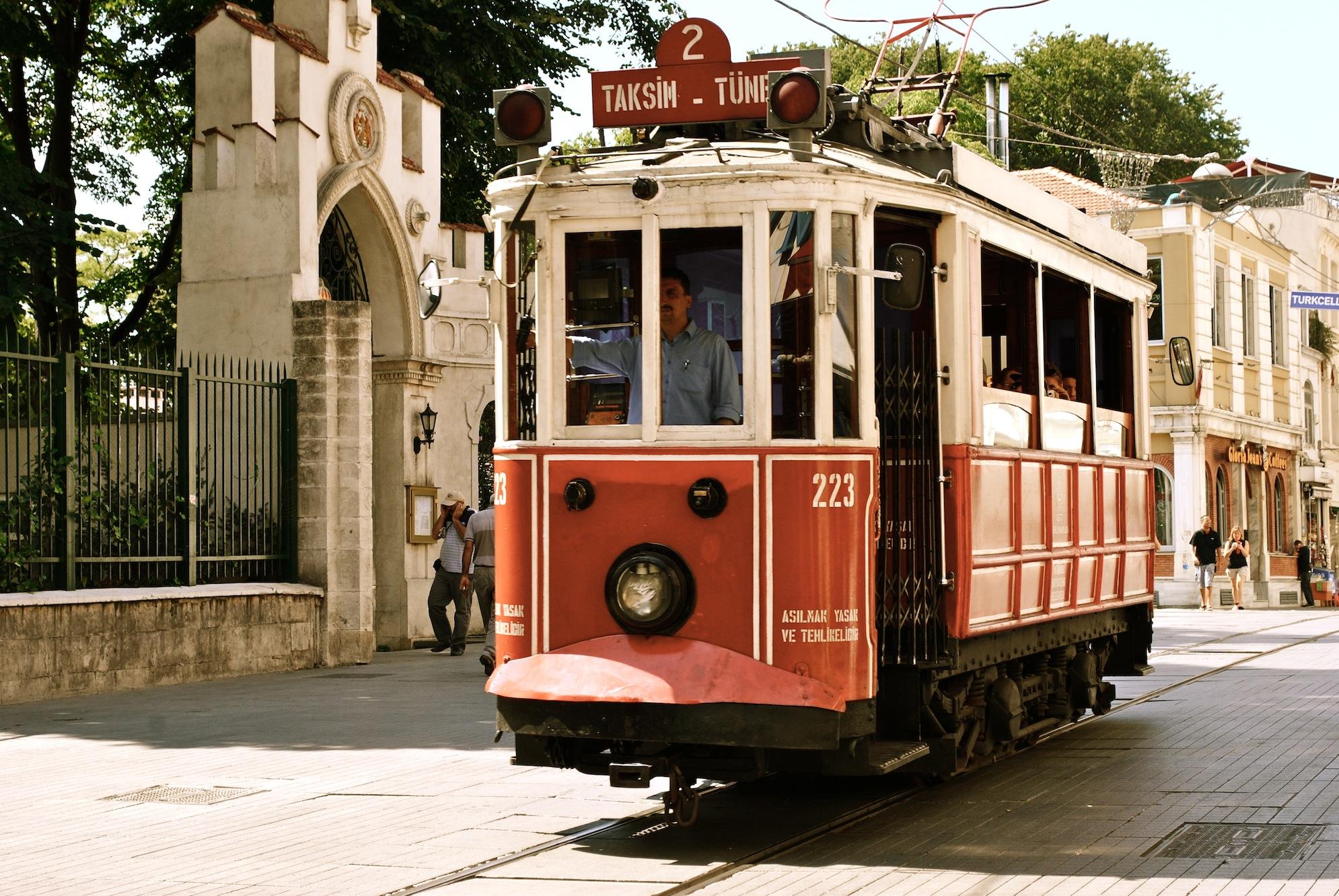 Straßenbahn zum Taksim Platz