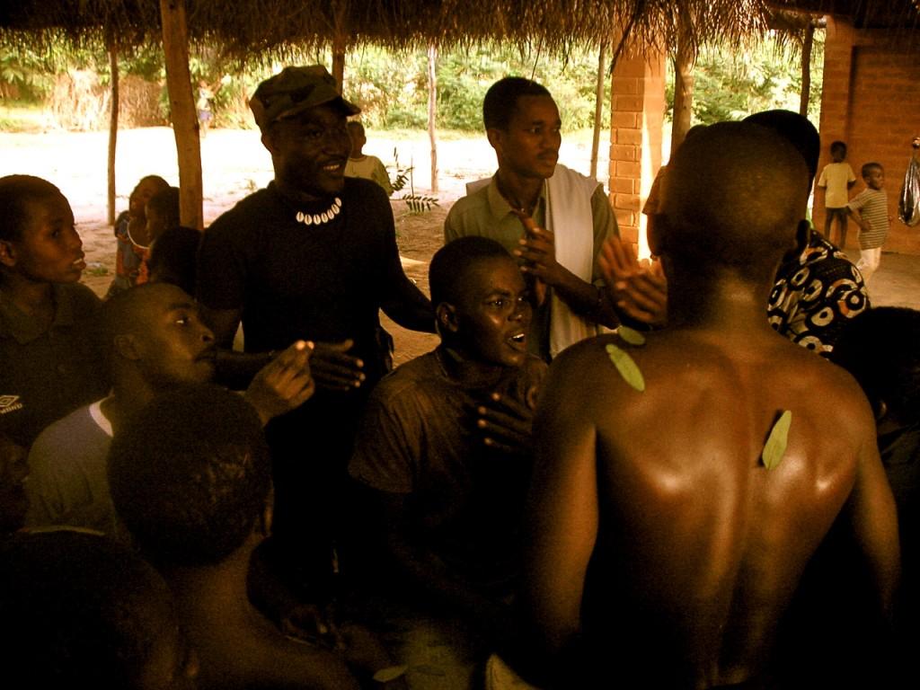 Drumming and Dancing, Akoumapé