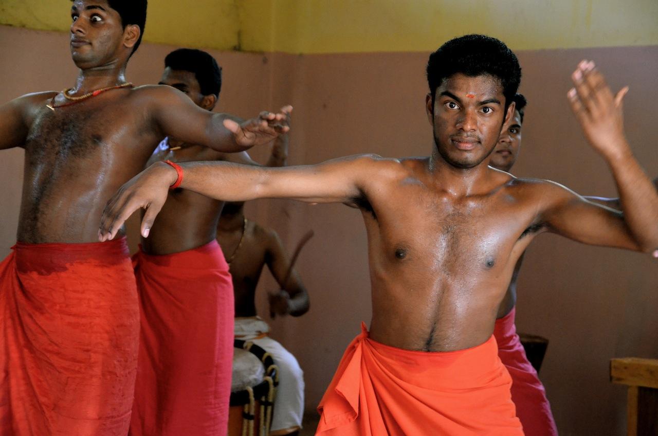 Kathakali Dance training, Dancing school