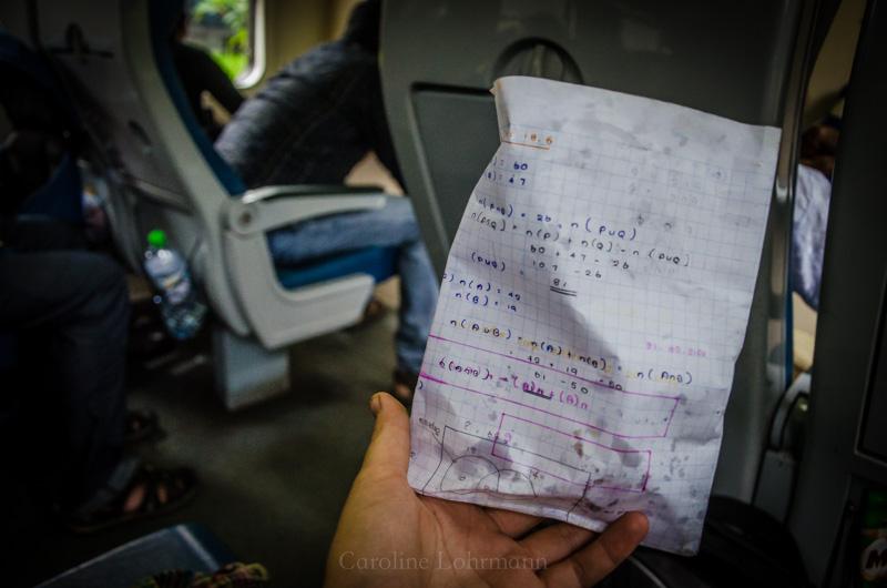 Snack im Zug Sri Lanka