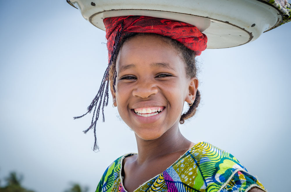 Erdnussverkäuferin Kololi Gambia