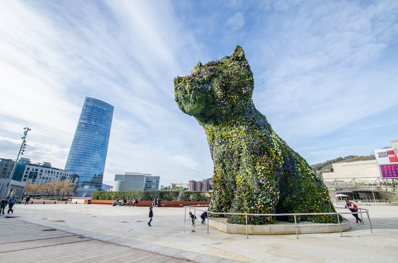 flower puppy jeff koons